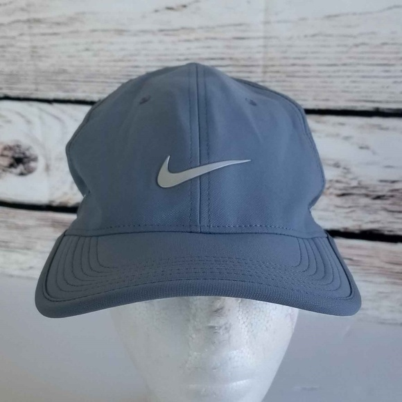 6cef188a Nike Golf Ultralight Tour RZN / VAPOR Panel Hat. M_5aa16f6805f430732799e813